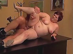 Nourished mature mom fucked by dude